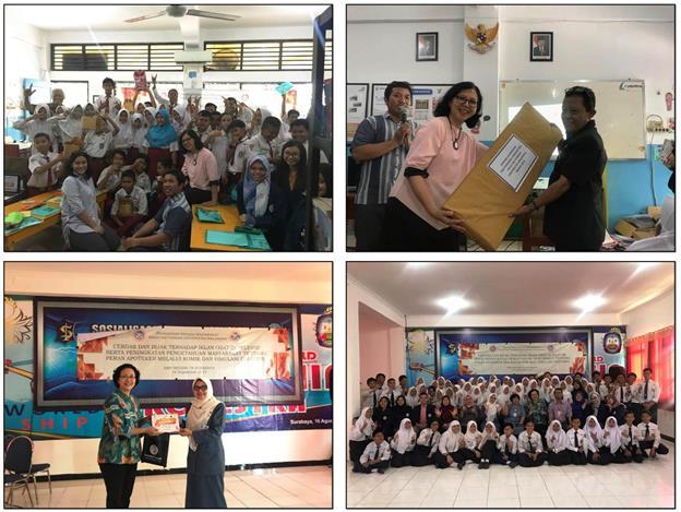 enyerahan hadiah dan kenang-kenangan pada sesi akhir pelaksanaan kegiatan pengabdian kepada masyarakat yang dilakukan di SDN Keputih 245 Surabaya (atas) dan SMPN 19 Surabaya (bawah) dan pada tanggal 16-17 September 2019